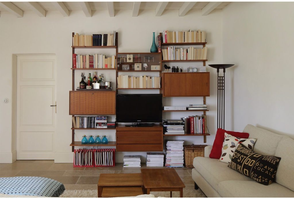 TV unit with Shelves, Brassac, French Country Property